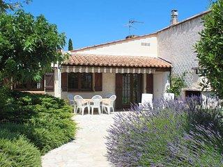 2 bedroom Villa in Roquebrune-sur-Argens, Provence-Alpes-Cote d'Azur, France : r