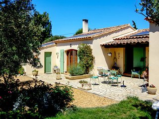3 bedroom Villa in Arles, Provence-Alpes-Cote d'Azur, France : ref 5435844