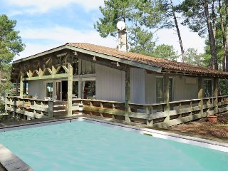 4 bedroom Villa in Maubuisson, Nouvelle-Aquitaine, France : ref 5434954
