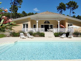 4 bedroom Villa in Lacanau-Océan, Nouvelle-Aquitaine, France : ref 5434913