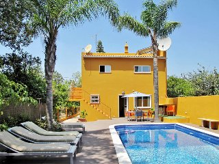 4 bedroom Villa in Pereiras, Faro, Portugal : ref 5434699