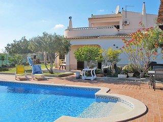 4 bedroom Villa in Alporchinhos, Faro, Portugal : ref 5434636