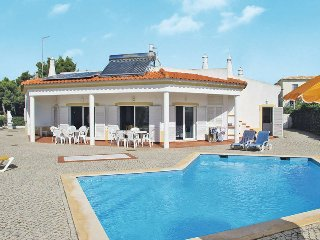 4 bedroom Villa in Branqueira, Faro, Portugal : ref 5434634