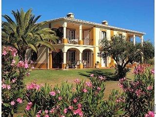 3 bedroom Apartment in Carvoeiro, Faro, Portugal : ref 5433499