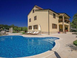 3 bedroom Villa in Visignano, Istarska Zupanija, Croatia : ref 5431970