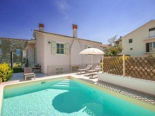 2 bedroom Villa in Visignano, Istarska Zupanija, Croatia : ref 5426495