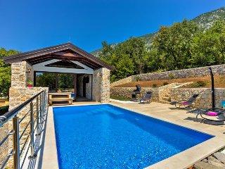 2 bedroom Villa in Crikvenica, Primorsko-Goranska Županija, Croatia : ref 542493