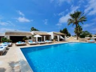 Beautiful six bedroom villa with private pool in the Caribbean.