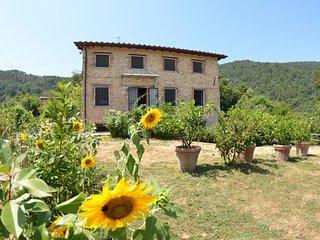 3 bedroom Villa in Vicopelago, Tuscany, Italy : ref 5404938