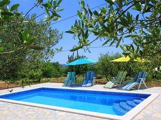 3 bedroom Villa in Trogir, Splitsko-Dalmatinska Županija, Croatia : ref 5394228
