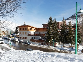 2 bedroom Apartment in Les Deux Alpes, Auvergne-Rhone-Alpes, France : ref 539263