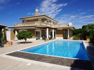 Stunning 4 Bedroom Villa located very close to Boavista Golf Resort, Lagos,