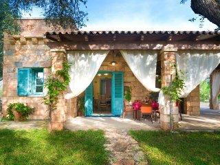 3 bedroom Villa in Marina di Andrano, Apulia, Italy : ref 5387696