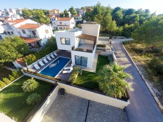 Luxurious second line sea Villa Calla EOS CROATIA with outdoor and indoor pool
