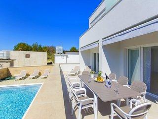 Apartments Villa V (32071-A1)