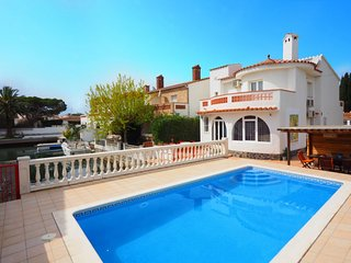 4 bedroom Villa in Empuriabrava, Catalonia, Spain : ref 5343857