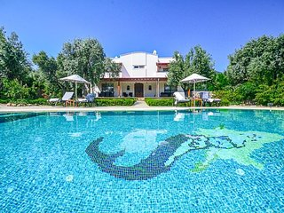 4 bedroom Villa in Bitez, Mugla, Turkey : ref 5334500