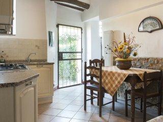 2 bedroom Apartment in San Gimignano, Tuscany, Italy : ref 5312858