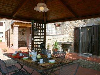2 bedroom Villa in San Giustino Valdarno, Tuscany, Italy : ref 5312389