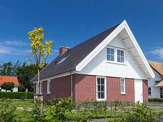 Piet Gijzenbrug Holiday Home Sleeps 6 with WiFi - 5029791
