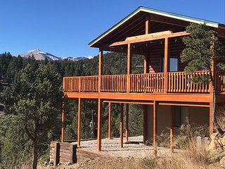 Great Sierra Blanca View, 7300 Ft Elev, Hot Tub, WiFi, 2 Car Garage, near Ski