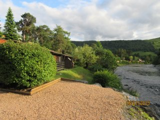 Otter Lodge Blair Atholl - 1 bedroom lodge on a stunning riverside in Perthshire