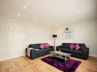 EPI - 3 Bed En-suite Duplex Penthouse Apartment Regency Court