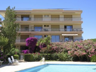 2 bedroom Apartment in Sainte-Maxime, Provence-Alpes-Côte d'Azur, France : ref 5