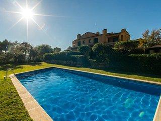 Llafranc Holiday Home Sleeps 8 with Pool - 5247044