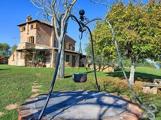 3 bedroom Villa in Montepulciano, Tuscany, Italy : ref 5241944