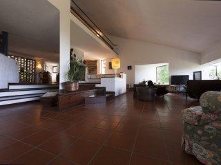 3 bedroom Villa in Passignano sul Trasimeno, Umbria, Italy : ref 5241602