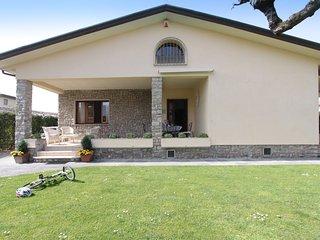 4 bedroom Villa in Forte dei Marmi, Tuscany, Italy : ref 5241025