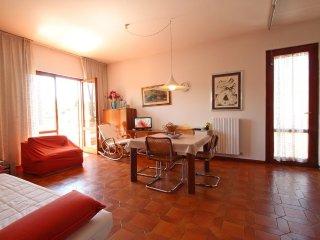 2 bedroom Villa in Marina di Pietrasanta, Tuscany, Italy : ref 5240945