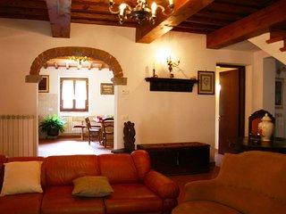 4 bedroom Villa in Poggio d'Acona, Tuscany, Italy : ref 5240748