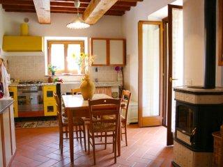2 bedroom Villa in Poggio d'Acona, Tuscany, Italy : ref 5334866