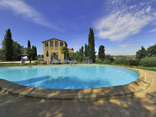 2 bedroom Apartment in Buonconvento, Tuscany, Italy : ref 5240638