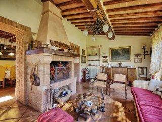 3 bedroom Villa in Montepulciano, Tuscany, Italy : ref 5240074