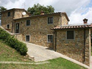 3 bedroom Villa in Casalvescovo, Tuscany, Italy : ref 5239805