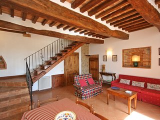 2 bedroom Apartment in Radi, Tuscany, Italy : ref 5239586