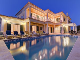 5 bedroom Villa in Guia, Faro, Portugal : ref 5239099
