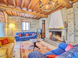 4 bedroom Apartment in San Polo in Chianti, Tuscany, Italy : ref 5239469