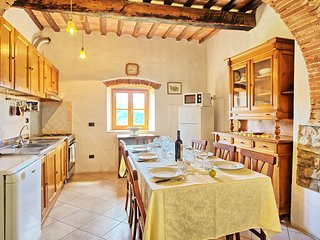 4 bedroom Apartment in San Polo in Chianti, Tuscany, Italy : ref 5239402