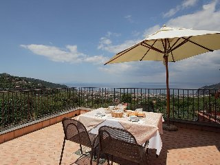 2 bedroom Villa in Piano di Sorrento, Campania, Italy : ref 5228402