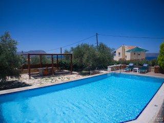 Almyrida Villa Sleeps 6 with Pool Air Con and WiFi - 5228037