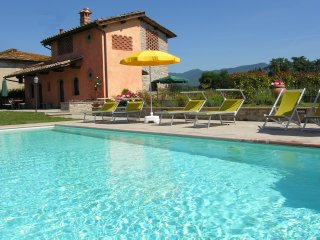 Cerliano Holiday Home Sleeps 8 with Pool Air Con and WiFi - 5227222