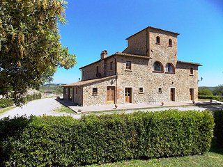 Fattoria Spedaletto Apartment Sleeps 6 with Pool and WiFi - 5226793