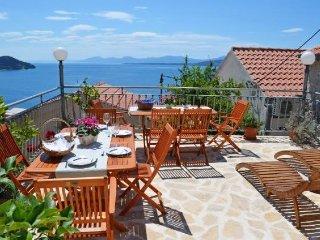 4 bedroom Villa in Igrane, Splitsko-Dalmatinska Županija, Croatia : ref 5223462