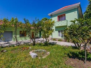 4 bedroom Apartment in Stari Stafilic, Splitsko-Dalmatinska Zupanija, Croatia
