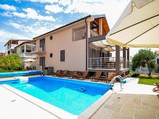 3 bedroom Apartment in Tribunj, Sibensko-Kninska Zupanija, Croatia : ref 5219849