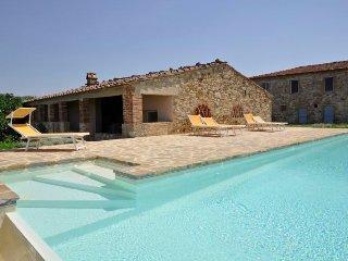4 bedroom Villa in Castellina in Chianti, Tuscany, Italy : ref 5218344